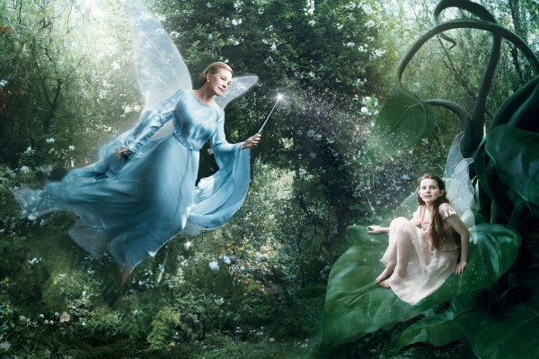 Disney_Blue Fairy Julie Andrews, Abigail Breslin