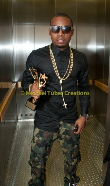2013-Nigeria-Entertainment-Awards-September-2013-BellaNaija-BN-029-356x600