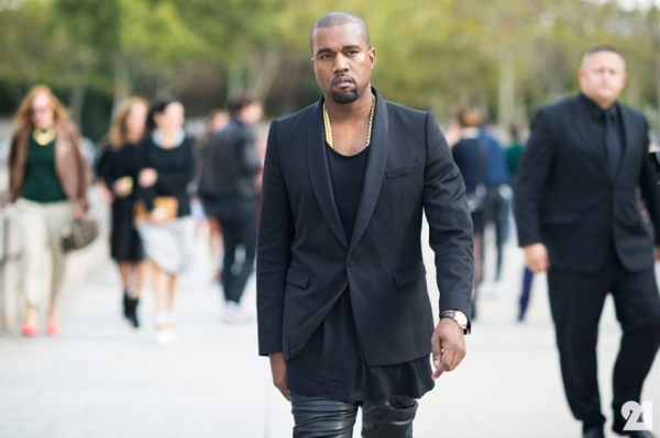 Kanye-West-fashion-black-in-Paris1