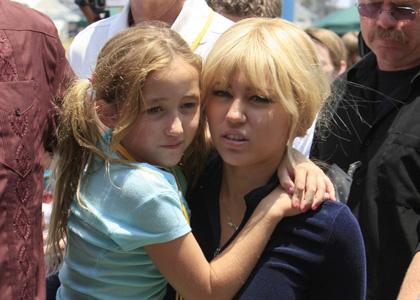 Miley Cyrus Filming 'Hannah Montana' on Santa Monica Pier